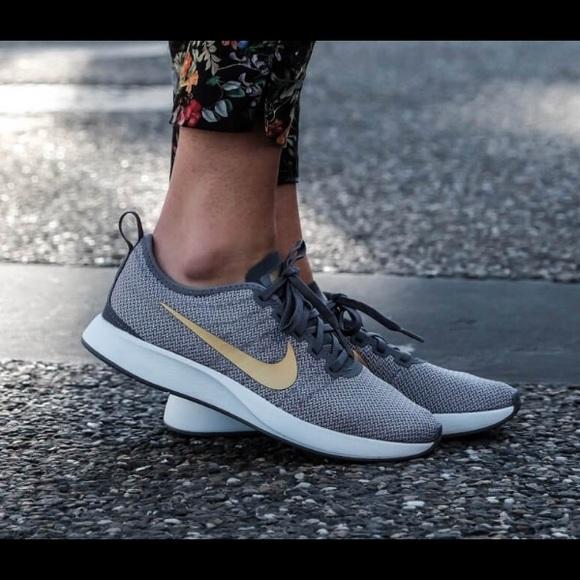 093ad432dca3 Nike Dualtone Racer SE Women s Shoe. M 5b32f4053c98447cdeaab06a
